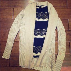 🇱🇷 St Johns Bay cardigan and Loft T-shirt size s